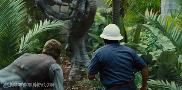 jurassicworld-superbowl-trailer-11