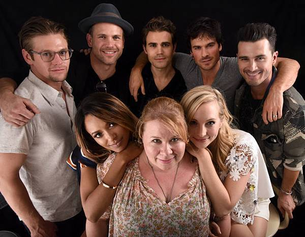 sdcc-vampire-diaries-cast.jpg