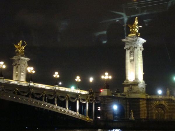 很美的一座橋