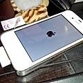 白4S還原時的白底黑蘋果