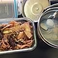 岳父大人做的乾炒牛河&蛤蠣湯