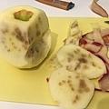 被打針蜜蘋果