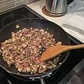 牛絞肉乾拌麵的肉