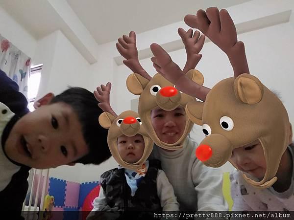 祝大家聖誕節快樂!! Merry Christmas ^_^