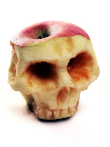Apple_of_Death_by_Rajala.jpg