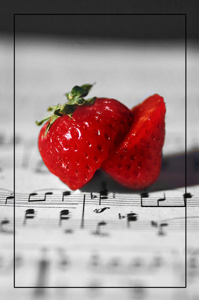 strawberry_waltz_by_jack_the_pumkin_king.jpg