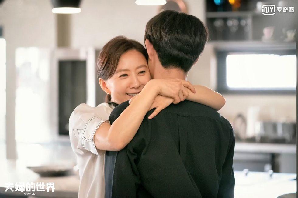 夫婦的世界-16-金喜愛最後抱得兒子-彩蛋-1589703094.jpg