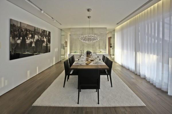 long-view-dining-room-7-600x399.jpg