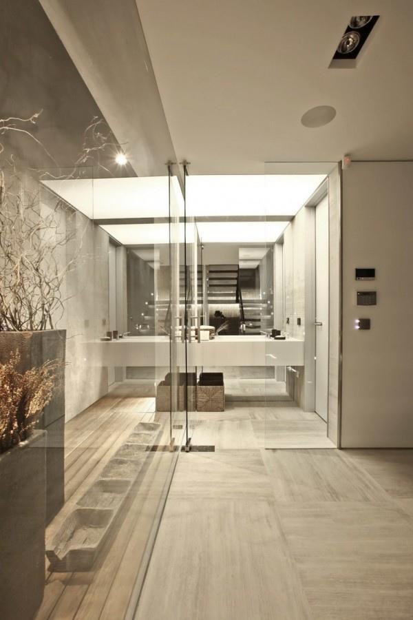 mirror-and-glass-bathroom-21-600x900.jpg
