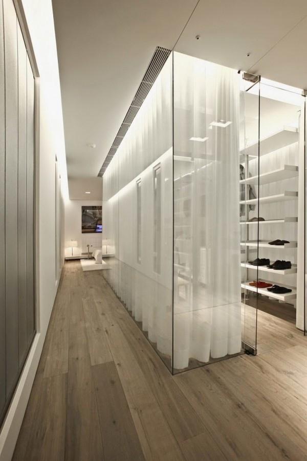 open-dressing-cubicle-28-600x899.jpg