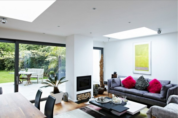living-space-with-glass-wall-6-600x400.jpg
