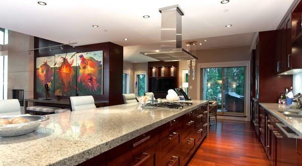 penthouse-kitchen-2-600x330.jpg