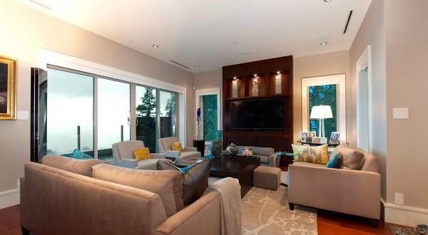 penthouse-living-room-2-600x330.jpg