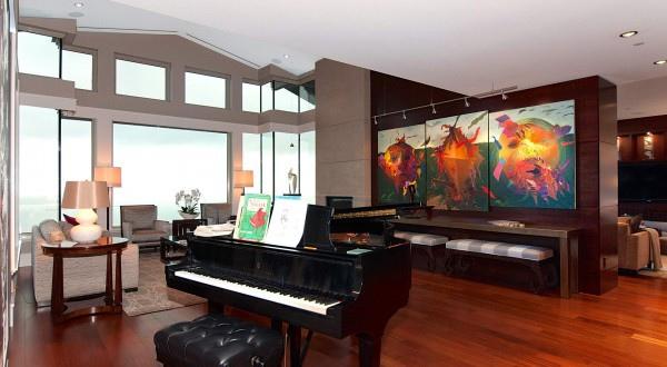 penthouse-living-room-600x330.jpg