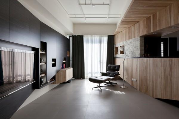 black-eames-lounge-chair-600x399.jpg