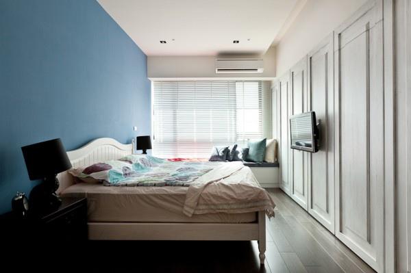 blue-bedroom-600x399.jpg