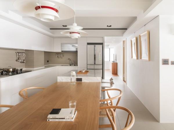 bright-white-kitchen-600x450.jpg