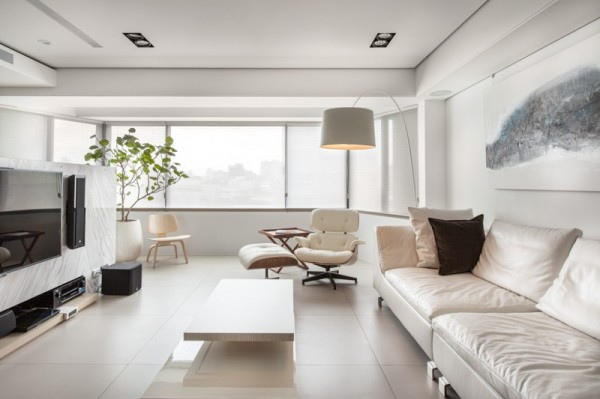 white-eames-lounge-chair-600x399.jpg