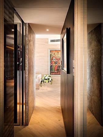 contemporary-apartment-9.jpg