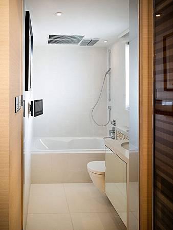 contemporary-apartment-8.jpg