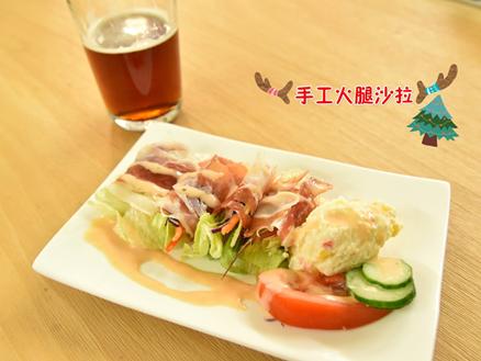 水母吃乳酪聖誕派對食物-火腿和水香腸