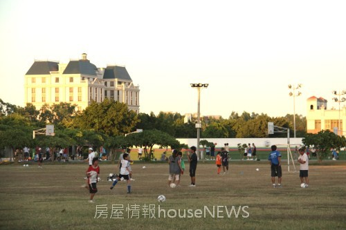 頭份竹南透天造鎮徹底研究02「運動公園」.JPG