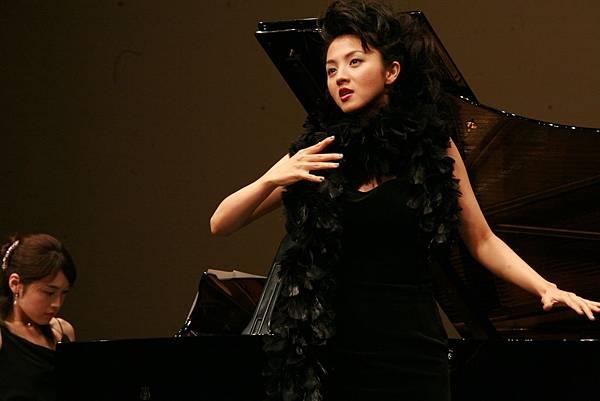 滿島光在新片《超級女聲》中飾演心機女.JPG