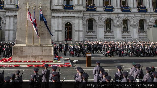96745-640x360-remembrance-2014-cenotaph-640.jpg