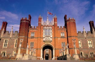 Hampton-Court-Palace-iconic.jpg