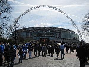 300px-WembleyStadiumViewFromWembleyWay.jpg