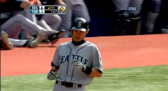 Ichiro 10 200-hit.20100923.jpg