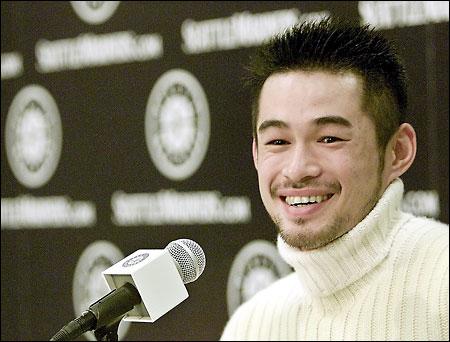 Ichiro MVP Media Conference.20011120.jpg