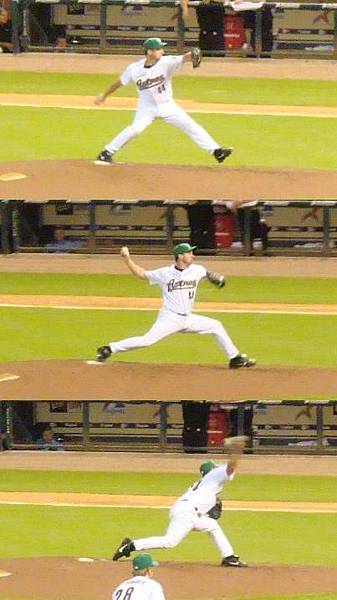 Oswalt pitching 1-2-3.jpg