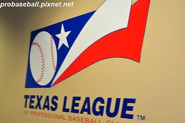 球團辦公室斗大的 Texas League 標誌