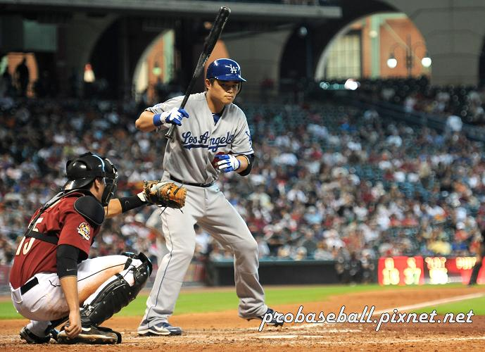 Hu batting 2-3.jpg