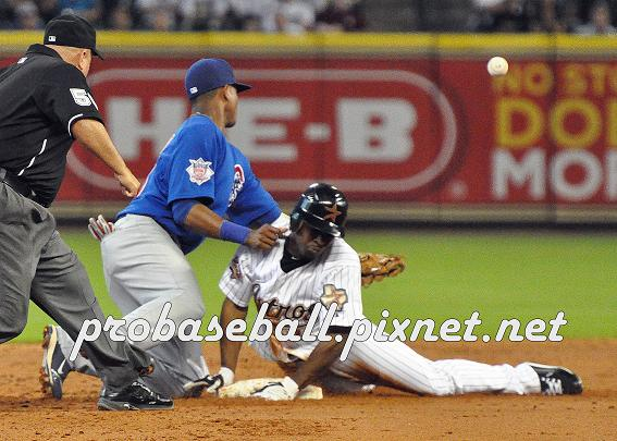 Michael Bourn Safe at 2B.jpg