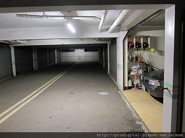 地下室 T8 燈單管換 T8 LED 燈管