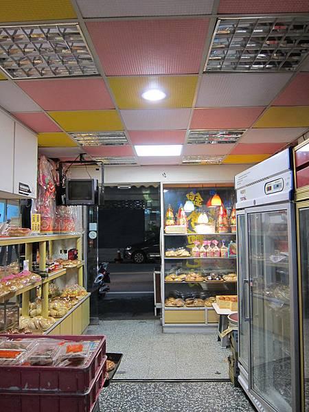 5-6坪 40W坪自然光平板燈+12W崁燈