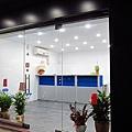 手機維修站 12瓦崁燈16盞