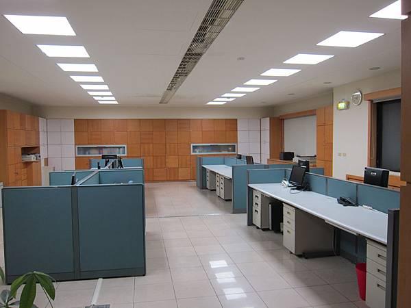 辦公室 LED 平板燈