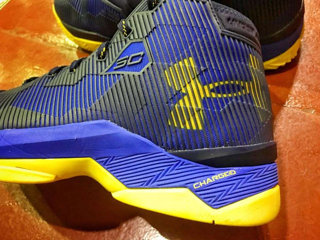 1cf50aae61d9 Review Under Armour - Curry 2.5   Sneaker Review 2.0 球鞋評測2.0 ...