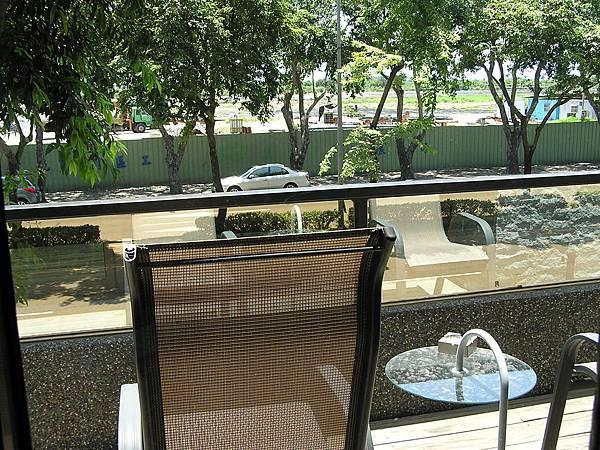 法嵐斯 -- 陽台