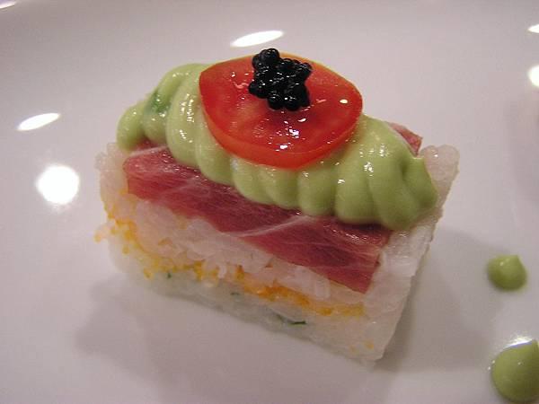 大鵬灣食堂 -- 黑鮪魚壽司2