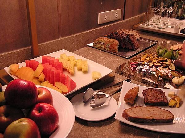 香格里拉 - 貴賓廊.水果 & 麵包