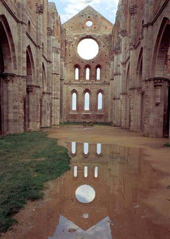 abbazia_di_san_galgano_imgzoom.jpg