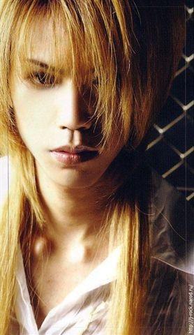 shinya-金髮.jpg