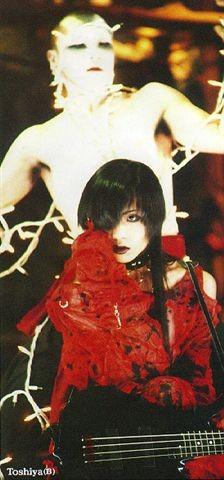 toshiya-red.jpg
