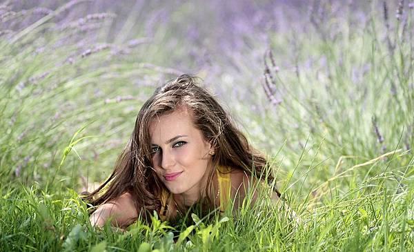 girl-1472195_960_720.jpg