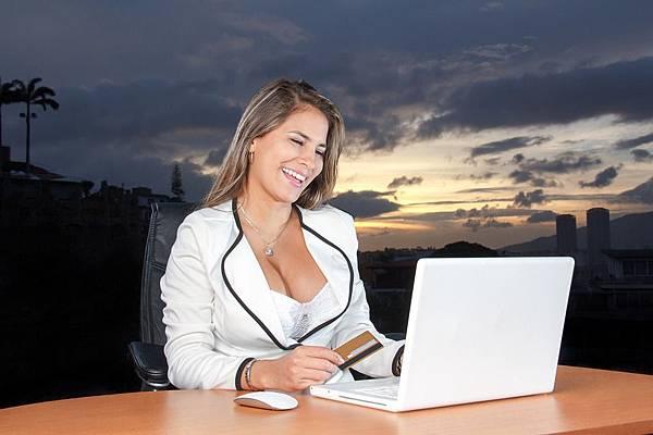 business-woman-1434836_960_720.jpg