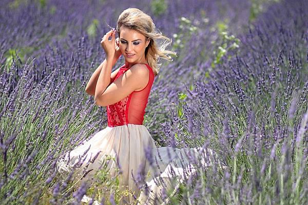 girl-1467456_960_720.jpg